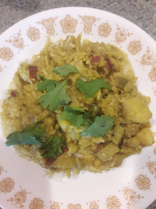Vegan Cauliflower and Potatoes in Coconut Milk: An Easy Dish With an Indian Flair