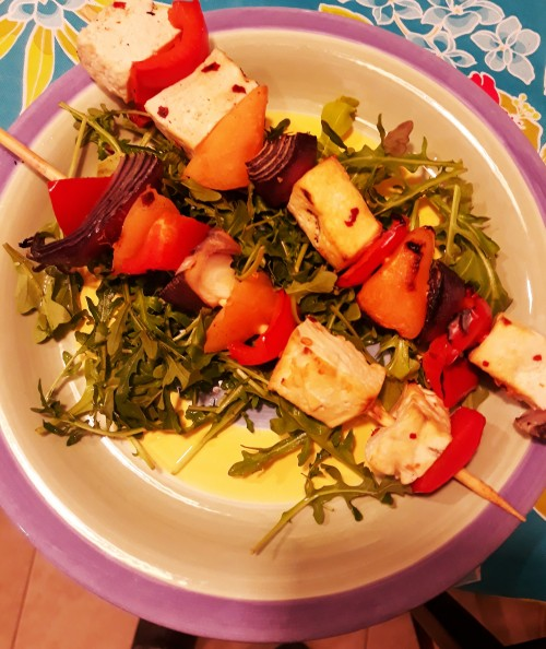 Celebrate Barbeque Season With Tofu/Melon/Pepper Skewers